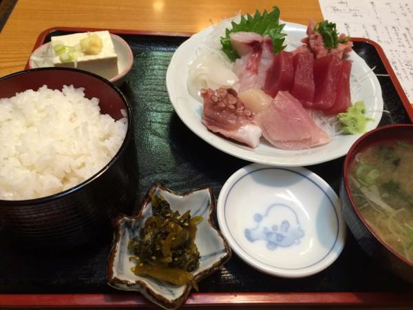 魚料理泉屋東十条_04