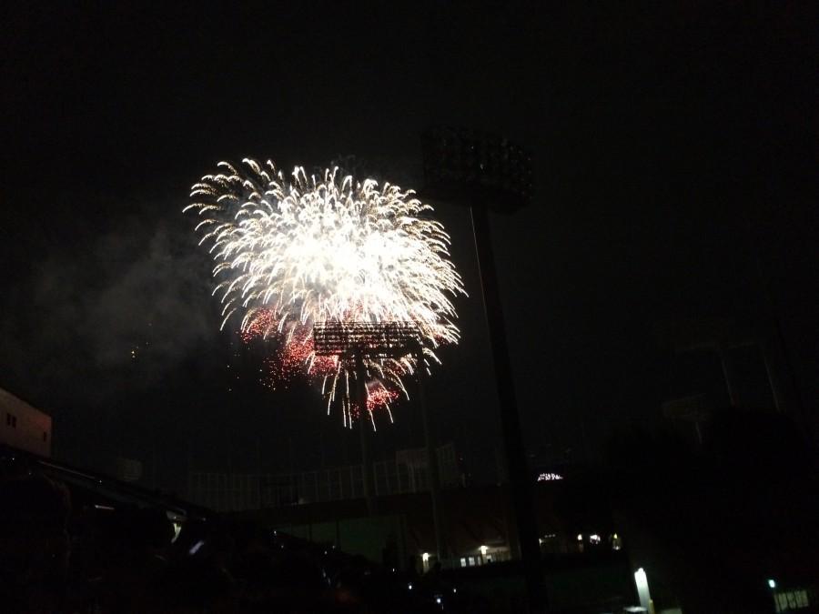 神宮外苑花火大会2015_05