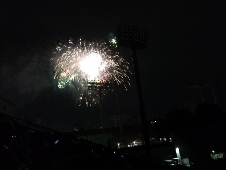 神宮外苑花火大会2015_07