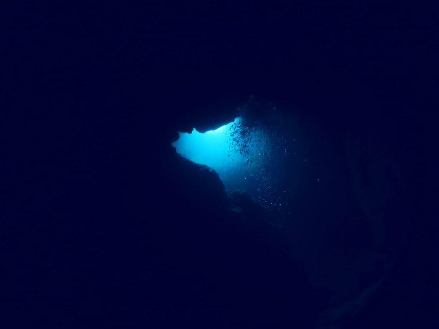 宮古島ダイビング中の島ホール_05